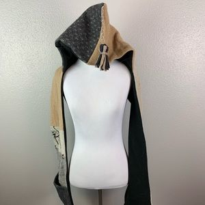 Accessories - Quilted hooded scarf with pockets